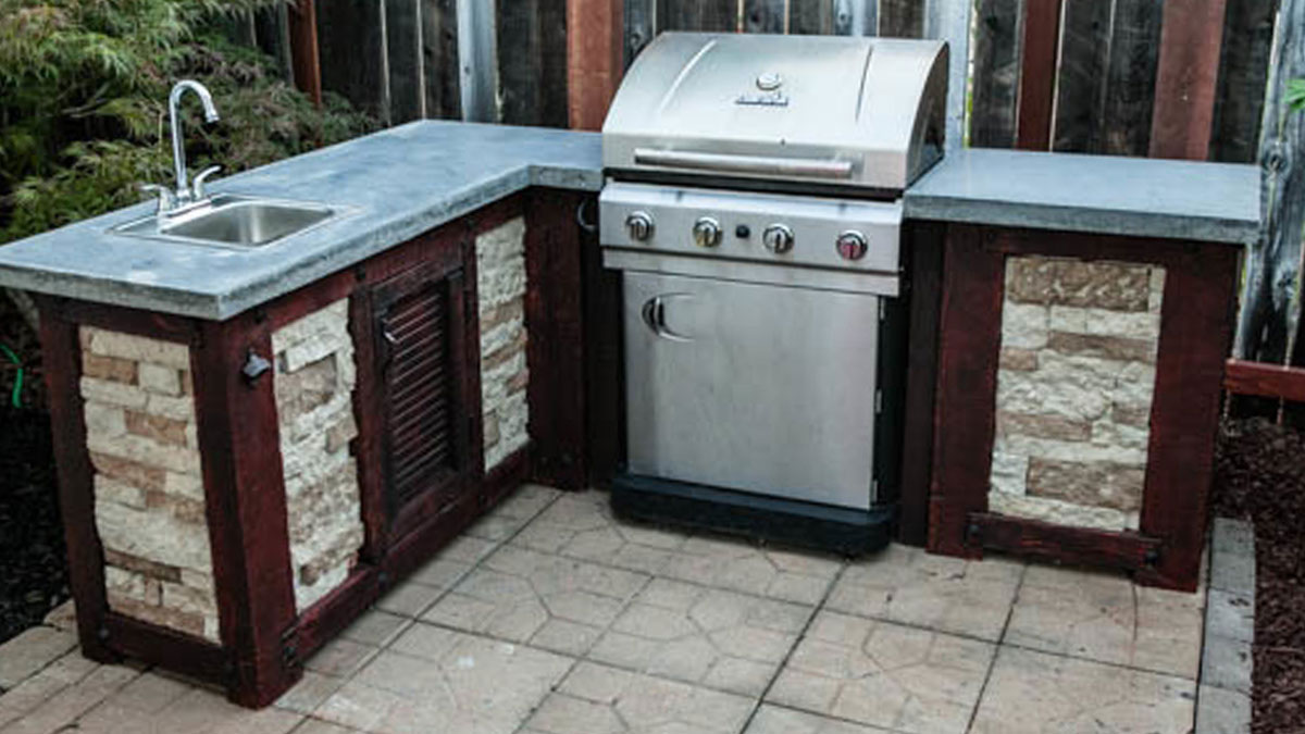 How to Build Your Own Outdoor Kitchen (For a Fraction of the Cost)